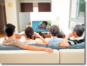 family_watching_tv1